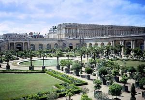 Gardens-of-Versailles_