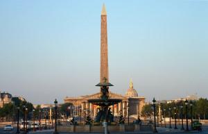 Place_de_la_Concorde_-_Paris_s'éveille